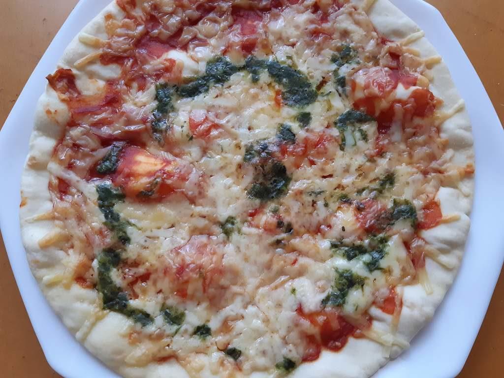 昼食にピザ1枚を一人で食べるとなんとなく罪悪感がある。なぜって